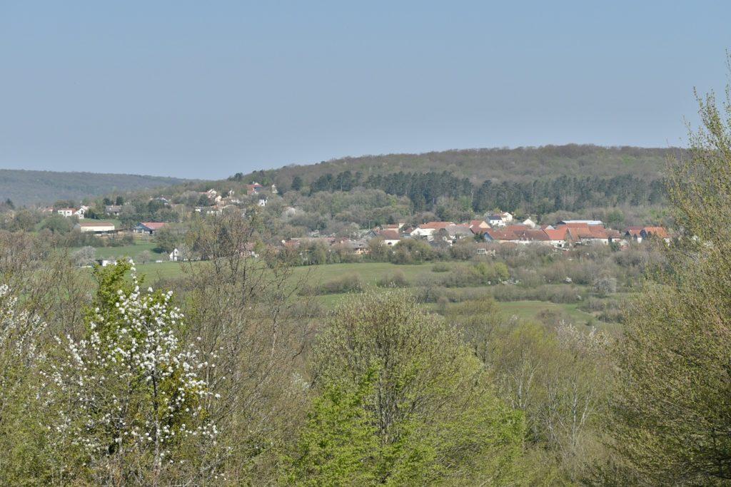 Vue d'une partie du village depuis la cabane des chasseurs