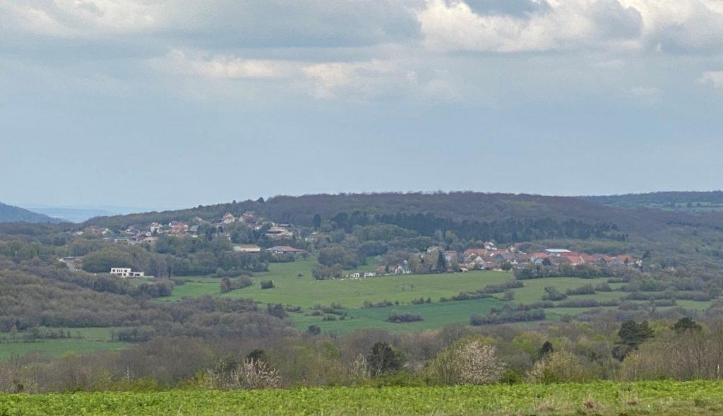 Vue du village depuis le point de vue de Saint Anne